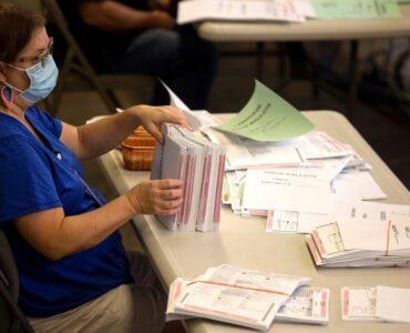 counting-ballots-2020-20
